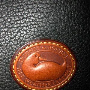 Dooney & Bourke Bags - NWT Dooney and Bourke HANDBAG 👜.